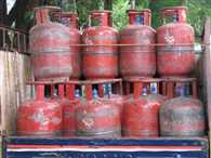 Non-subsidized LPG Cylinder now Rs 5 cheaper