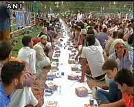 Srinagar: Record breaking, Kashmir's largest Iftar