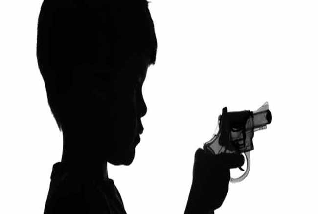 Student of class eight arrested with pistol in school in Jamshedpur