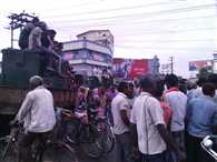 Begusarai  municipal workers blocked NH 31