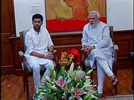 Aditya Thackeray seeks Modi's support to take `Digital India` to Maharashtra schools