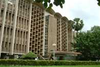 70% of IIT B students skip daily bath, 40% wish to live on with pals