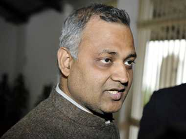 Midnight raid: Delhi police files charge sheet against Bharti