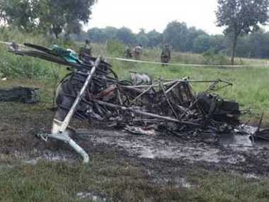 army helicoptor crash in bareilly cant area, three officers dead
