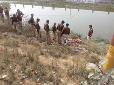 lucknow ,uttar pradesh ,police ,suspicion ,Lucknow ,horrific ,driver,लखनऊ,विस्फोट,मैनपुरी,कंटेनर,मौत