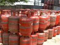 Gov hike cylinder price 61 rs