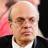India-born Ajit Jain in race for Warren Buffett successor