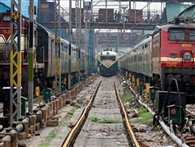 150 trains stops due to bad language uses by DRM in jabalpur