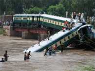 Train carrying Pakistani troops falls into canal, 12 dead