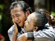 Moment Myanmar fisherman is reunited with his mother after 22 years as a slave