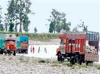 Dumper and six tractor-trolly seized during inlegal mining