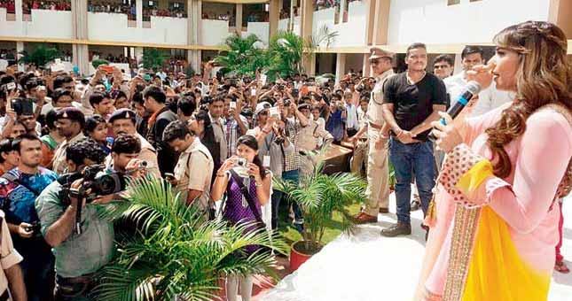 80 cops on duty for Bipasha Basu