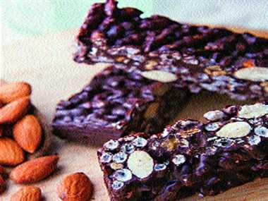 Almond and rice crispy bars