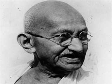 when mahatma gandhi had  broom in Kanpur