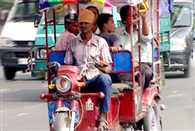 Govt allows e-rickshaws to ply on roads