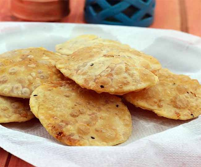 Cook Poppy seeds poori on weekend