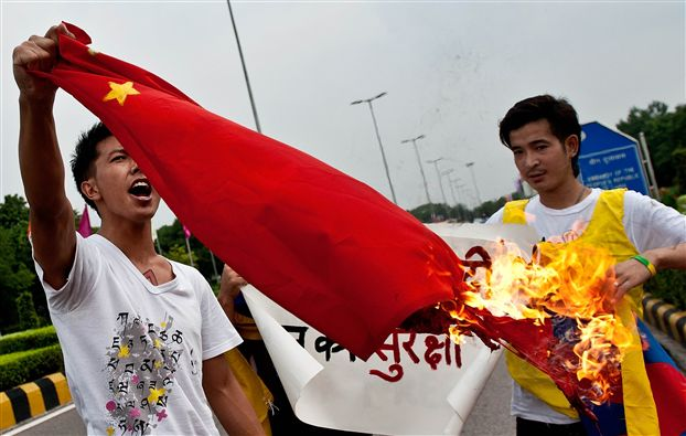 burn a Chinese flag