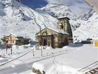 Kedarnath to five feet snowfall, hampers reconstruction