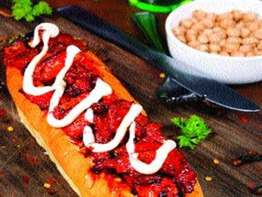 (Fiery Becon Bites Hot Dog)