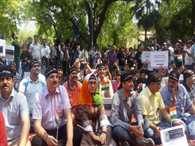 kashmiri pandits protests on jantar-mantar