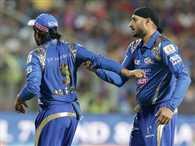 IPL : How Rohit Sharma reacts to Harbhajan-Rayudu spat