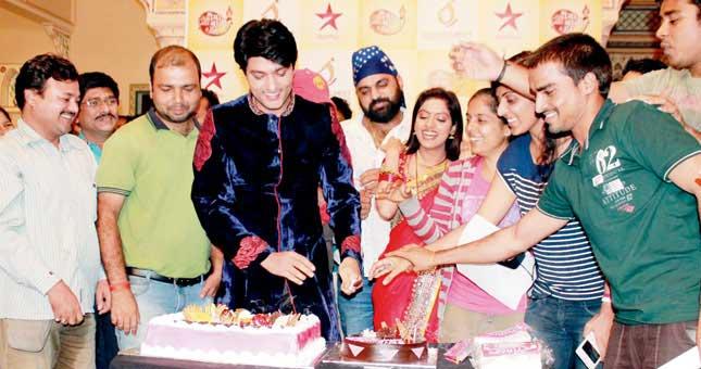 'Diya Aur Baati Hum' celebrates its third anniversary
