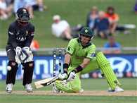 Misbah and Ahmed Shehzad powers Pakistan past 300
