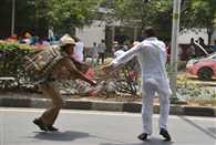 Police lathicharge Kisan wing members of Punjab Cong