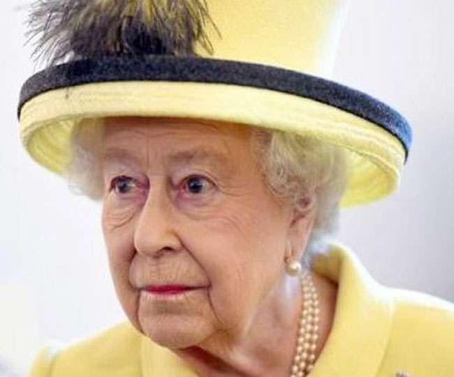 Queen Elizabeth Summons Emergency Meeting At Buckingham Palace