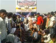 Rajgir bandh againt ban on theater and circus in Malmas Mela, firing