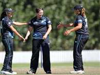 Newzeland beat india by 6 wickets in third one day match