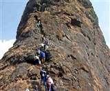 ट्रैकिंग है शौक तो जरा हरिहर फोर्ट की चढ़ाई चढ़ कर देखो