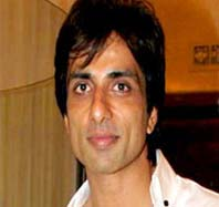 Sonu sood is performing comedy role in happy new year