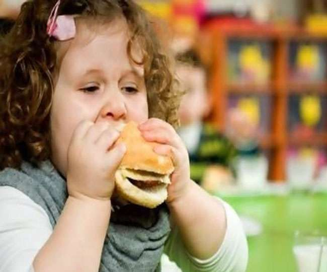 fast foods are bad for our You probably know it can blow up your waistline, but fast food may also have a surprising impact on your mood and mind.