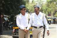 Manoj Bajpai turns Mumbai traffic cop for a day