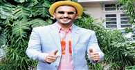 Ranveer Singh is itching to see the poster of 'Bajirao Mastani'