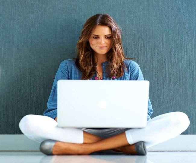 Social media effects on women