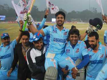 Bhojpuri Dabangg defeated Mumbai in Celebrity Cricket League