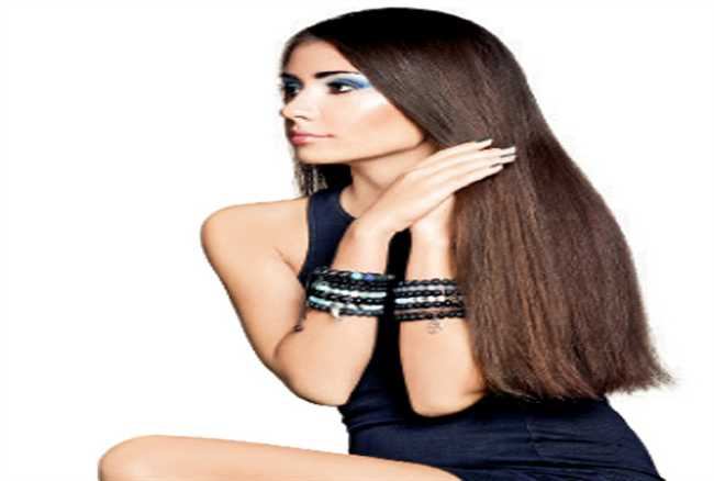 Get a glamorous look with straight hair