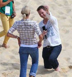 Olympics 2012: Fan proposes on the beach