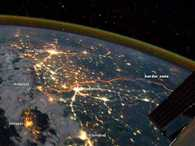 This is What the Indo-Pak Border Looks Like at Night From Space