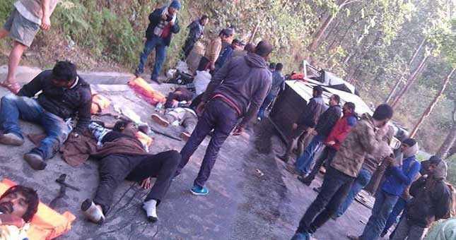MTV Roadies team meets with an accident in Darjeeling