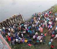 42 killed in bus accident in Gujarat