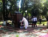 PM Modi pays tribute at the bust of the former PM Lal Bahadur Shastri