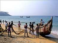 Pakistan arrested twelve Indian fishermen near Arab ocean