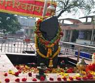 Now men will not be mounted to worship on platform of Shani Singnapur