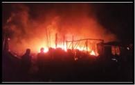 पुरुलिया में पांच दुकानें जलकर राख