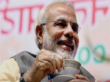 NaMo interacts with tea from BJP head office