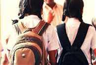 छेड़खानी का विरोध करने पर छात्रा को जबरन पिलाया तेजाब, मूकदर्शक रहा स्कूल प्रशासन