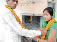 Lovers Got Married In Azamgarh, Family Dispute Solved